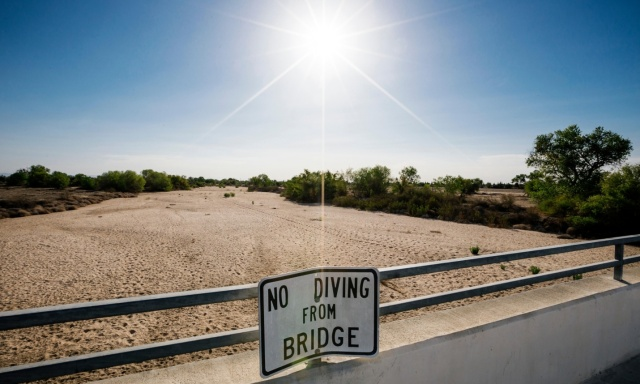 Kern River, California - No Diving irony