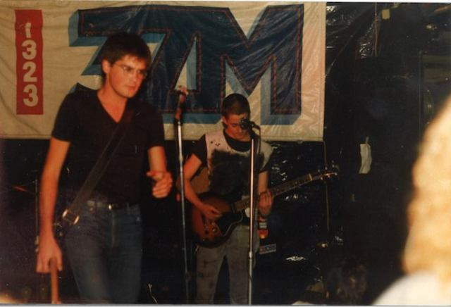 The Johnnies, lead guitar section, in Battle of the Bands, Star and Garter cJun82