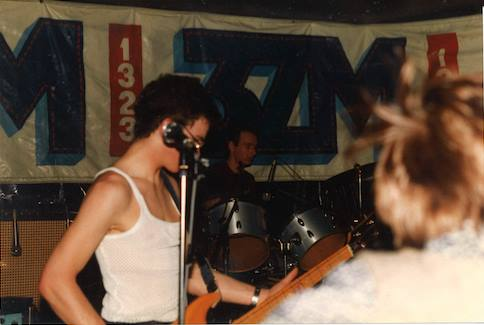 The Johnnies, in Battle of the Bands, Star and Garter cJun82